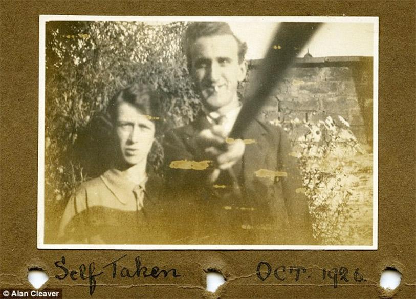 Selfie Stick 1926