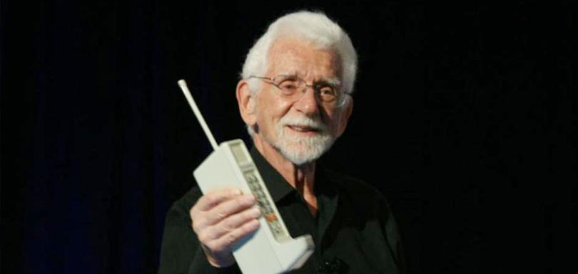 eerste-mobiele-telefoon